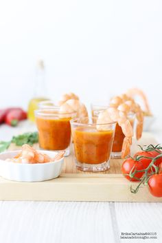 La tana del coniglio: Bicchierini piccanti al pomodoro e verdure con gamberi