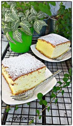 Sernik z wiaderka Carrot Cake Cheesecake, Cheesecake Recipes, Cute Desserts, Cookie Desserts, Sweets Cake, Polish Recipes, Russian Recipes, Cupcakes, No Bake Cake