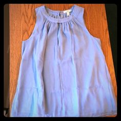 J.Crew Blue Silk Keyhole Tank Blouse Top 4 Lovely sky blue silk J.Crew top size 4. Flows type blouse... Looks great with a waist belt or just over skinny jeans. Pristine. J. Crew Tops Blouses