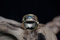 Rosé gouden ring met 10 facet geslepen edelstenen | Rose golden ring with 10 cut precious stones Handmade Jewellery, Contemporary Jewellery, Rings For Men, Wedding Rings, Engagement Rings, Jewelry, Fashion, Enagement Rings, Moda