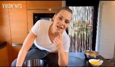 Υβόννη Μπόσνιακ: Έδωσε την καλύτερη συνταγή για… Cheesecake – Εσύ θα το φτιάξεις; | Gossip-tv.gr Cake Recipes, Recipies, Cheesecake, Sugar, Cooking, Recipes, Easy Cake Recipes, Cheesecakes, Cherry Cheesecake Shooters