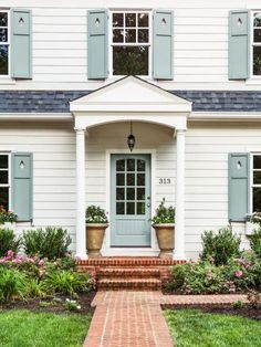 HGTV Magazinetook a spin through Knoxville to round up eye-catching houses loaded with inspiring ideas.