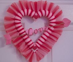 Small Valentine Tulle Wreath by PetalsandBowsbyDebbe on Etsy