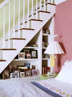I love pictures, this idea is awesome  #DesignPinThurs #Storage #Staircase #Design #Home #Organization
