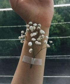 23 ideas for aesthetic wallpaper grunge flowers - Aesthetic Photography Flower Aesthetic, Aesthetic Art, Aesthetic Pictures, Aesthetic Anime, Tumblr Photography, Creative Photography, Portrait Photography, Tumblr Aesthetic Photography, Photographie Portrait Inspiration