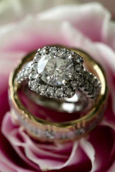 Pin-cushion diamond love.