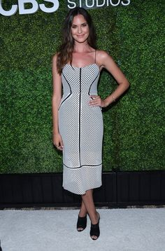 Odette Annable at the Annual CBS Television Studios Summer Soiree West Hollywood June, Odette Annable, Pretty Girls, Celebrities, Celebs, Summer Dresses, Studio, Womens Fashion, Oc, Summer Sundresses