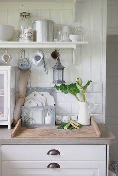 Home Decor Ideas For Bedroom provided Country Chic Reception Decor Cozinha Shabby Chic, Shabby Chic Kitchen, Country Kitchen, Kitchen Decor, Nice Kitchen, Kitchen Interior, Kitchen Ideas, Cottage Kitchens, Home Kitchens