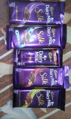ohh my chocolate i want all and much Cadbury Dairy Milk, Dairy Milk Chocolate, Cadbury Chocolate, I Love Chocolate, Chocolate Lovers, Silk Oreo, Chocolates, Dairy Milk Silk, Snap Food