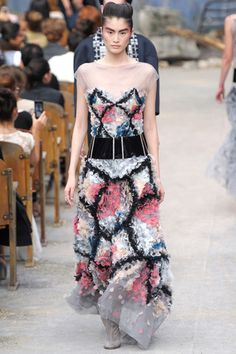 Chanel Fall 2013 Couture Collection Slideshow on Style.com #chanel #couture