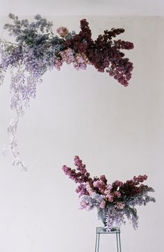 whimsical purple flower cloud, foam free installation & arrangement with wisteria and lilacs - floral design Modern Wedding Flowers, Fall Wedding Colors, Floral Wedding, Deco Floral, Floral Foam, Floral Design, Dried Flower Arrangements, Wedding Arrangements, Modern Floral Arrangements