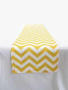 alternate table runner for 6' dining tables? Would have to drop-ship them from NJ to get them in...