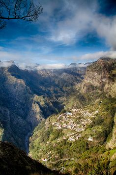 Curral das Freiras / Nun's Valley, Madeira - Portugal