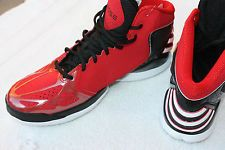 DERRICK ROSE ADIDAS IN RED AND BLACK