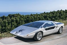 Hitting the floor at Bonham's Chantilly sale next week is this concept 1972 Maserati Boomerang Coupe. Originally designed by Georgetto Giugiaro, the Boomerang's Bugatti Veyron, Nascar, Maserati Levante, Automobile, Maserati Ghibli, Maserati Bora, Maserati Granturismo, Car And Driver, Amazing Cars
