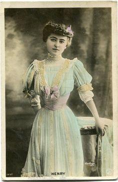 Jeanne Henry | Vintage French photo postcard - Actress miss Henry - Reutlinger