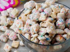 Cupcake Puppy Chow Recipe - Making this for the holidays.
