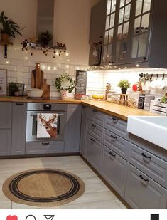 There is no question that designing a new kitchen layout for a large kitchen is much easier than for a small kitchen. A large kitchen provides a designer with adequate space to incorporate many convenient kitchen accessories such as wall ovens, raised. Home Decor Kitchen, Kitchen Interior, New Kitchen, Home Kitchens, Design Kitchen, Kitchen Ideas, Sink Design, Kitchen Small, 10x10 Kitchen