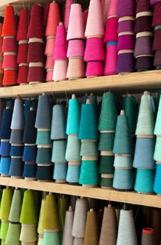 Thread rainbow.