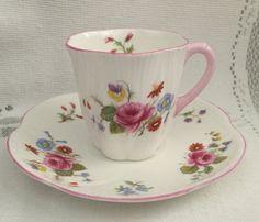 Vintage inglés SHELLEY Fine Bone China Tea Cup & Saucer - azul delicado…