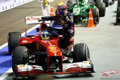 Fernando Alonso, taxista de Mark Webber
