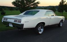 1967 PONTIAC GTO 2 DOOR HARDTOP - Barrett-Jackson Auction Company - World's Greatest Collector Car Auctions