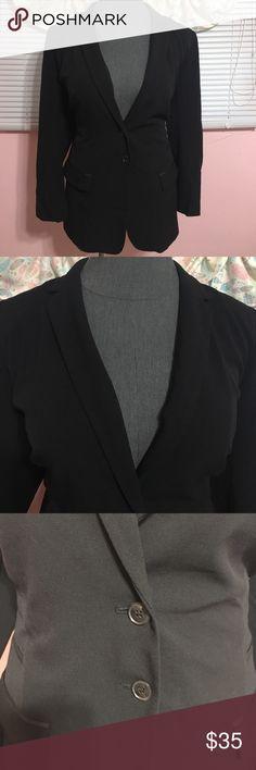 ⬇️price drop NWT L B tailored stretch blazer NWT Lane Bryant tailored stretch blazer. Black 2 button blazer with 2 front pockets.size 16 Lane Bryant Jackets & Coats Blazers