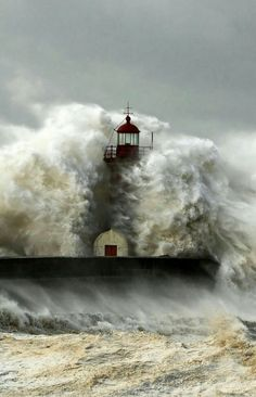 Big wave/Lighthouse - It is so amazing that they keep standing after the onslaught.