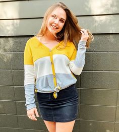 Isn't this mustard color block top the cutest! It looks so cute with our leather leggings or throw some jeans on and go! Casual Skirt Outfits, Winter Outfits, Cute Outfits, Work Skirts, Mini Skirts, Transitional Outfits, Mustard Top, Color Blocking Outfits, Online Clothing Boutiques