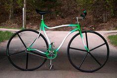 bike,bizarre,crazy,surreal,warped,fixed,gear-8a4718a5852b685147eea0616fd2f147_h.jpg (500×335)