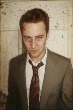 edward norton looking extremely hot with a shiner!                   I heart the Fight Club!