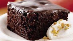 A piskóta puha és nagyon csokis, a puding íze a csokoládétól még élvezetesebb lesz. Hamar és egyszerűen összedobható fincsiség! Hozzávalók: a tésztához: 6 tojás 6 evőkanál liszt 6 evőkanál cukor 2 evőkanál cukrozatlan kakaópor 10...