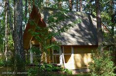 Neljämitähelvettiäsataatuhatta! Cabin, House Styles, Home Decor, Decoration Home, Cabins, Cottage, Interior Design, Home Interior Design, Wooden Houses