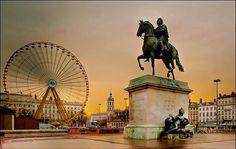Place Bellecour, large square in the centre of Lyon. Ville France, Lyon France, Paris France, Most Beautiful Cities, Wonderful Places, Beautiful World, Bellecour Lyon, Hotel Lyon, Lyon City