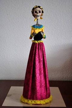 Artesanía Popular Mexicana,catrinas,papel Maché,frida Kahlo