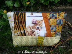 """""""Tiger"""" zippered pouch by Tilkunviilaaja -- Tiikeri-vetoketjupussukka"""