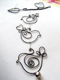 Dekorácia na stenu, do okna...., vyrobená z drôtu a ľanového motúzika. Vetvička je dlhá 21 cm, celková dĺžka závesu je 31 cm. Veľmi podobnú rada pre Vás urobím.... Fairy Wings, Yard Art, Wire Wrapped Jewelry, Art For Kids, Washer Necklace, Valentines Day, Projects To Try, Jewelry Making, Birds