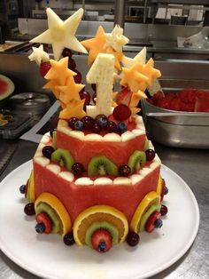 Most up-to-date Pic fruit cake birthday Ideas - yummy cake recipes Cake Made Of Fruit, Fresh Fruit Cake, Watermelon Cake, Watermelon Carving, Fruit Birthday Cake, Gateaux Cake, Delicious Cake Recipes, Healthy Cake, Food Platters