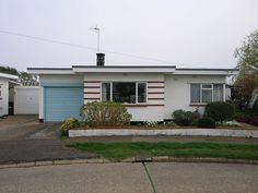Art Deco bungalow by I like, via Flickr