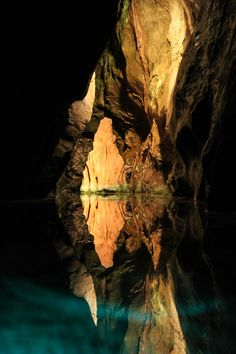 cheddar gorge cave, cheddar, england | nature photography #adventure