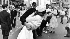 Muere la enfermera del beso que simbolizó el fin de la II Guerra Mundial…