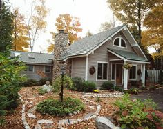 New exterior brick house colors metal roof Ideas Tin Roof House, Metal Roof Houses, House Siding, House Paint Exterior, Exterior Paint Colors, Exterior House Colors, Paint Colors For Home, House With Green Roof, Siding Colors