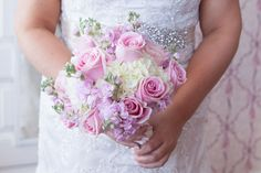 love the rose color and hydrangeas - no bling bling