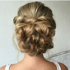 twited wedding updo hairstyle for long hair / www.himisspuff.co...