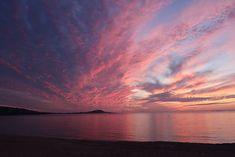 Superbe coucher de soleil sur une plage de Corse