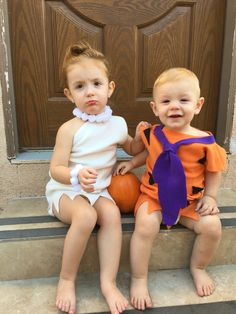 Fred and Wilma brother and sister Halloween costume  sc 1 st  Pinterest & This is how you do twins costumes!! Cutest grand babies ever ...