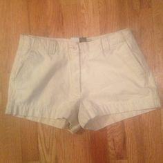🔴sold🔴Fossil light khaki shorts Fossil light khaki's. super durable, short shorts. Size 6 Fossil Shorts