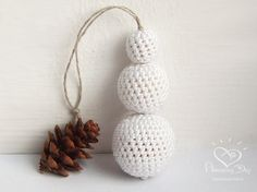 Elegant Christmas Ornament, Crocheted SNOWMAN, Eco friendly White Christmas tree decor - Crochet ball Snowman, Christmas gift, Home decor