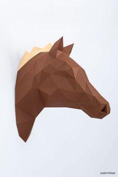 Pferd Trophäe aus Papier als Wanddeko, geometrische DIY Papierskulptur Origami Car, Origami Bowl, Origami Mouse, Origami Star Box, Origami Fish, Origami Ideas, Origami Design, Kirigami, 3 Dimensional Shapes