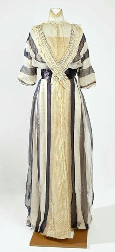 French designed silk dress by Jeanne Hallée in 1912.
